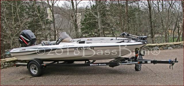 Triton Explorer 18.5' Bass Boat